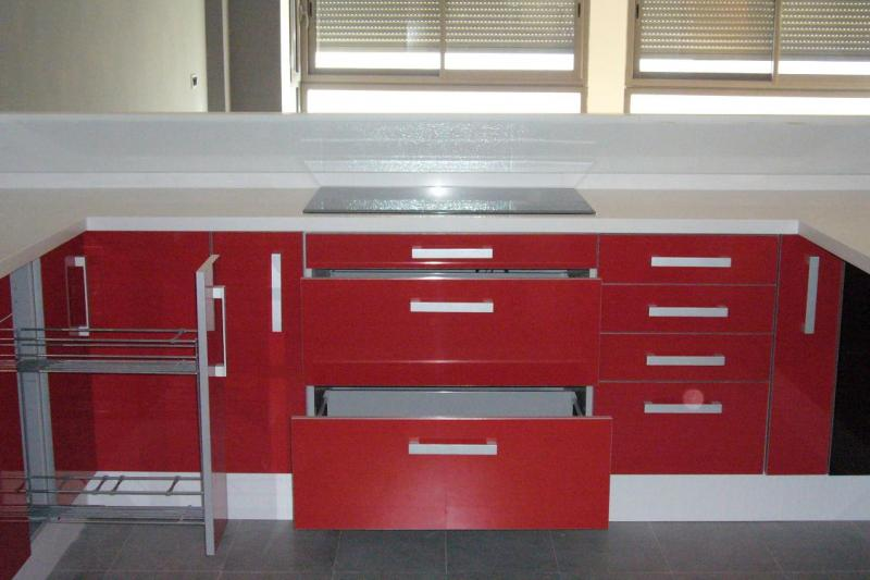 Muebles Para Baño Ferrari: – Mobiliario de cocina – Muebles de cocina de Laminado Rojo Ferrari